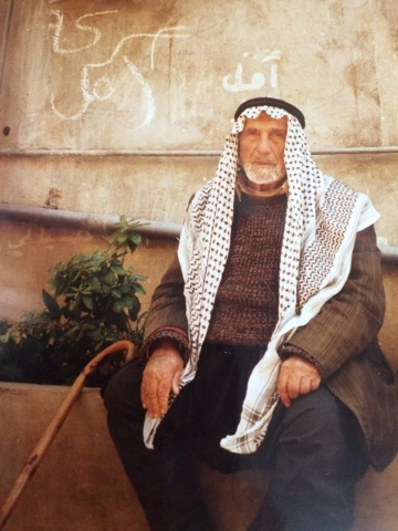 Photo of من الذاكرة : المرحوم الحاج موسى بيضون سنة 1991