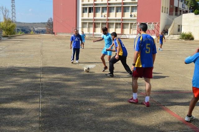 Photo of بالصور : مباراة كرة قدم في معهد جويا الفني بين الاساتذة والطلاب.