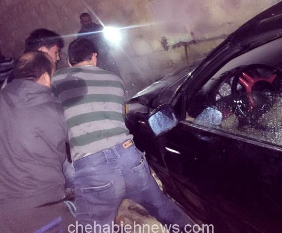 Photo of بالصور : إحتراق سيارة على طريق الساحة العامة لبلدة الشهابية