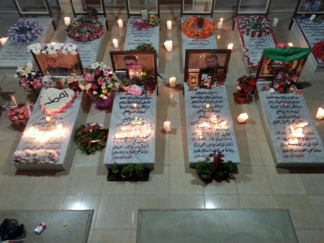 Photo of بالصور | روضة الشهداء تزيّن بالورود والشموع في ذكرى مولد الشهيد احمد بيضون