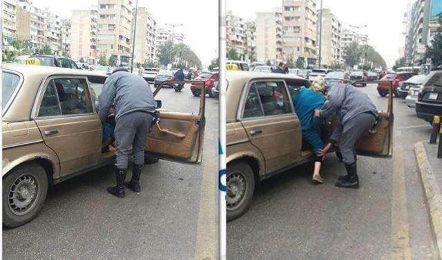 "Photo of بالصور | ""انسانية وتواضع من شرطي سير يساعد مسنّة على صعود السّيارة ""… كّل الإحترام"