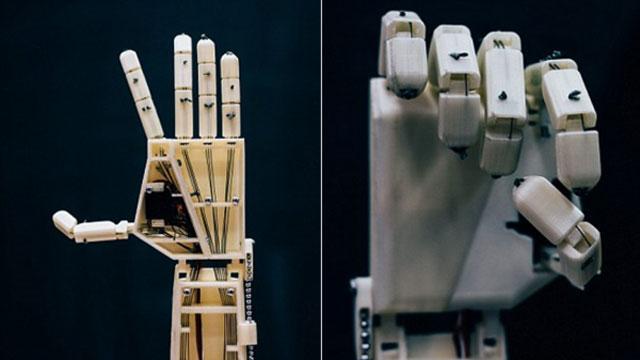 Photo of بشرى للصُم.. ذراع روبوتية 3D تترجم للغة الإشارة