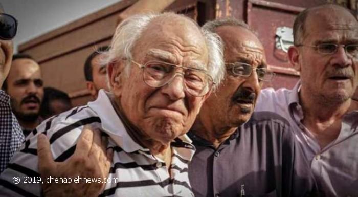 Photo of قمة الوفاء والحب | بعد خسارة زوجته… رشوان توفيق يبكي على الهواء.. 'شالتني في أقسى الظروف'