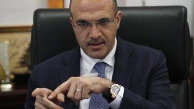 Photo of وزير الصحة يكشف عن فضيحة | أموات يشترون الادوية في لبنان!